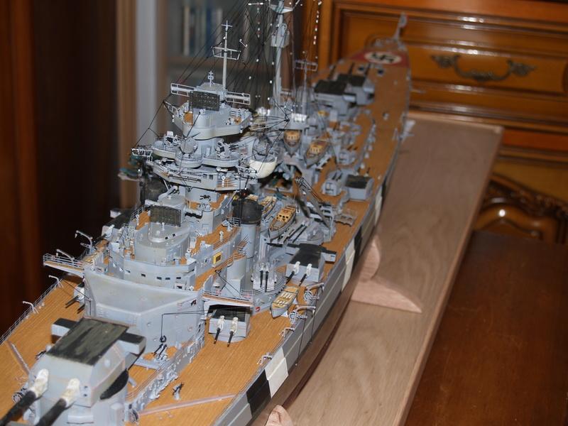Bismarck 1/200 Trumpeter P1011010