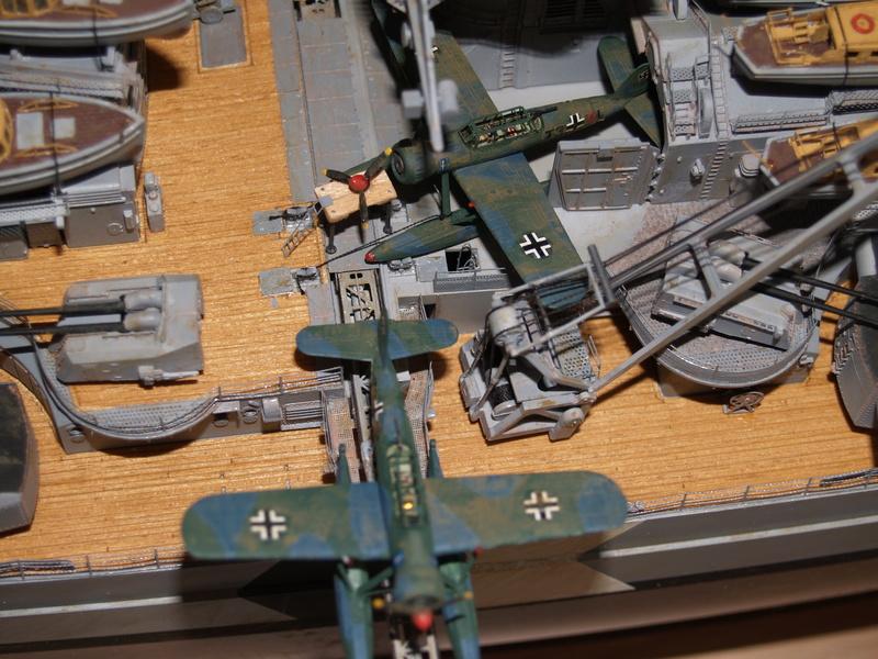 Bismarck 1/200 Trumpeter P1011011