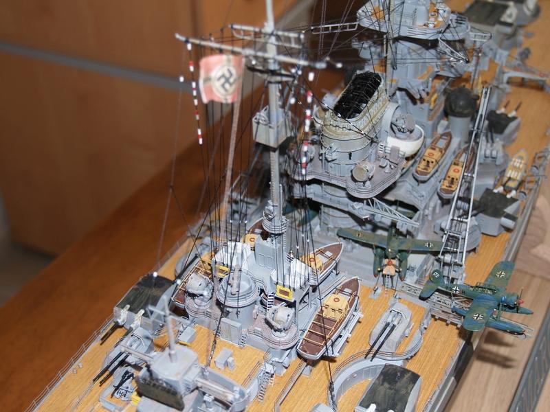 Bismarck 1/200 Trumpeter P1011012