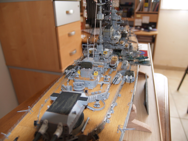Bismarck 1/200 Trumpeter P1011013