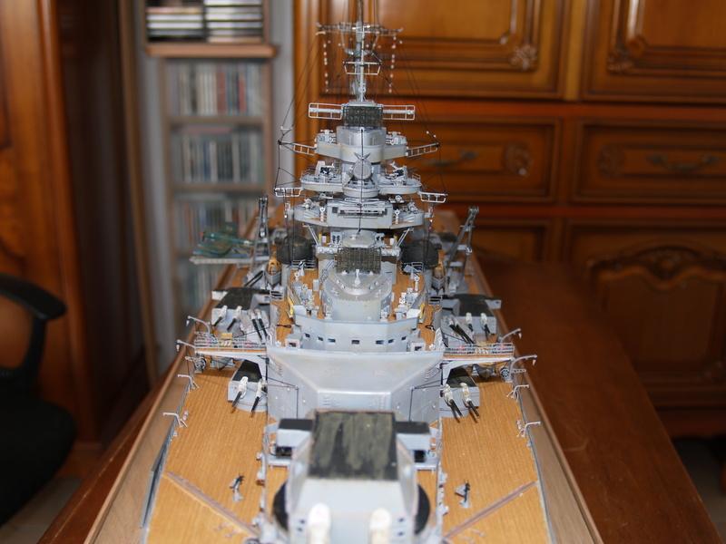 Bismarck 1/200 Trumpeter P1011020