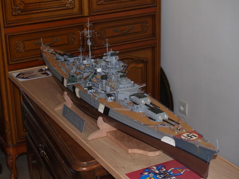 Bismarck 1/200 Trumpeter P1011022