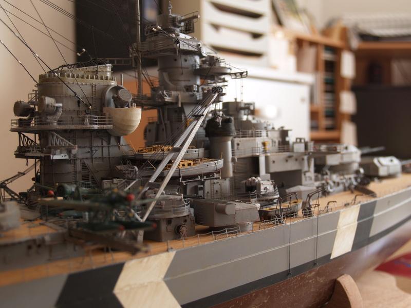 Bismarck 1/200 Trumpeter P1011030