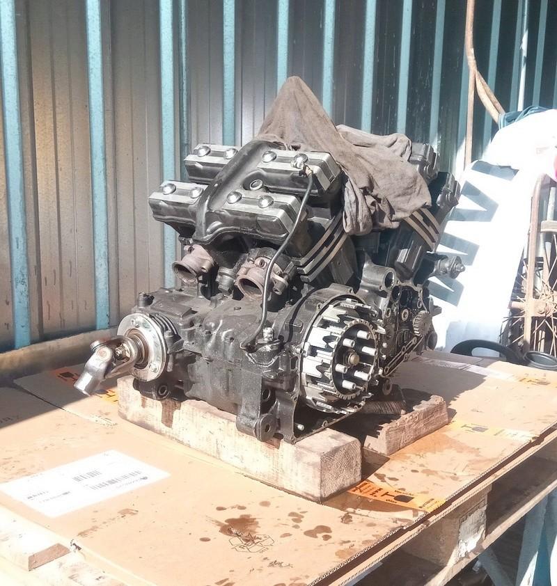 Gros problème moteur (je pense) Img_2012