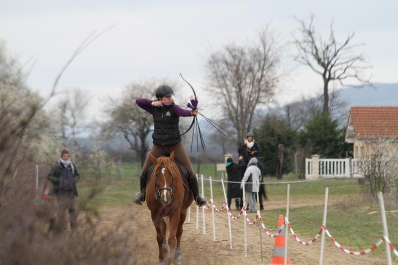Tir à l'arc à cheval Img_9811