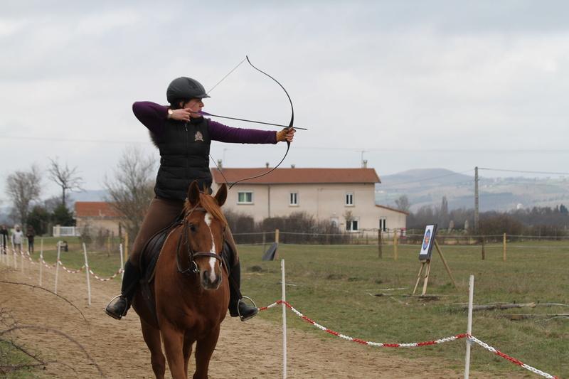 Tir à l'arc à cheval Img_9911