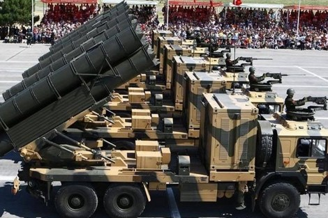 إدخال أربع بطاريات من راجمات الصواريخ الموجهة WS-2D الصينية إلى الخدمة بمدفعية الجيش المغربي. Ws_2d_10