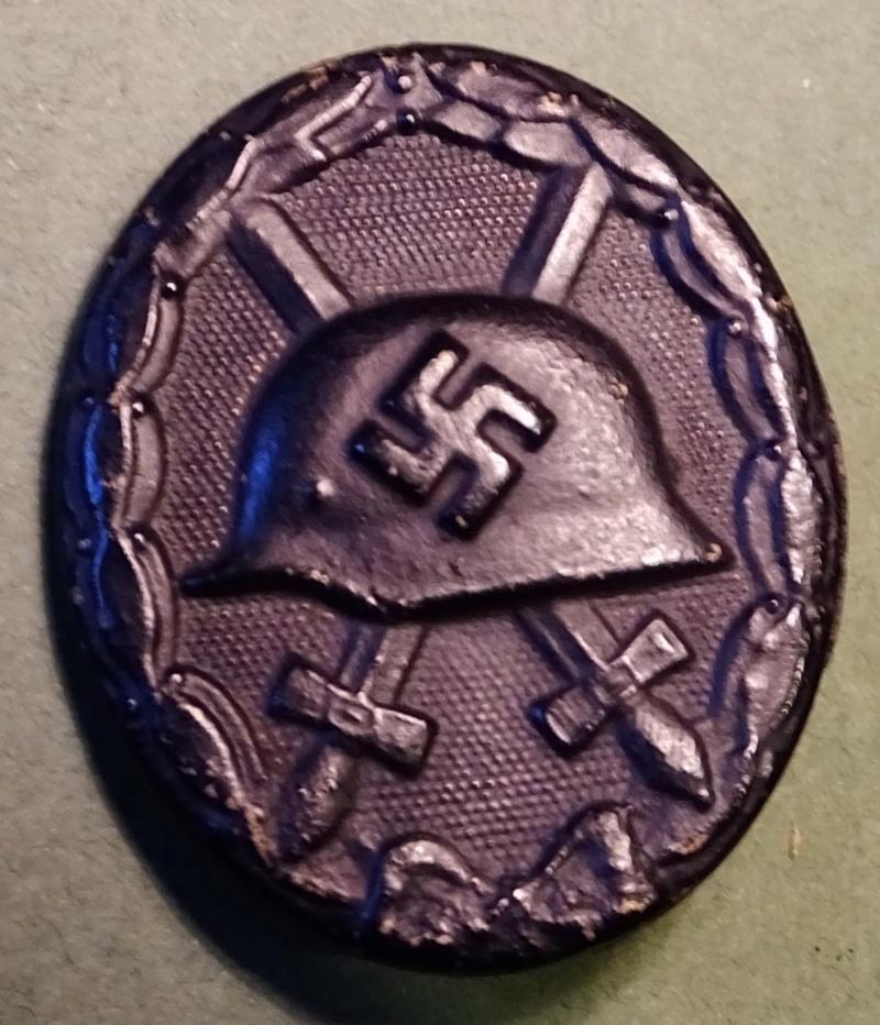 question sur badge de blessé  Dscf5214
