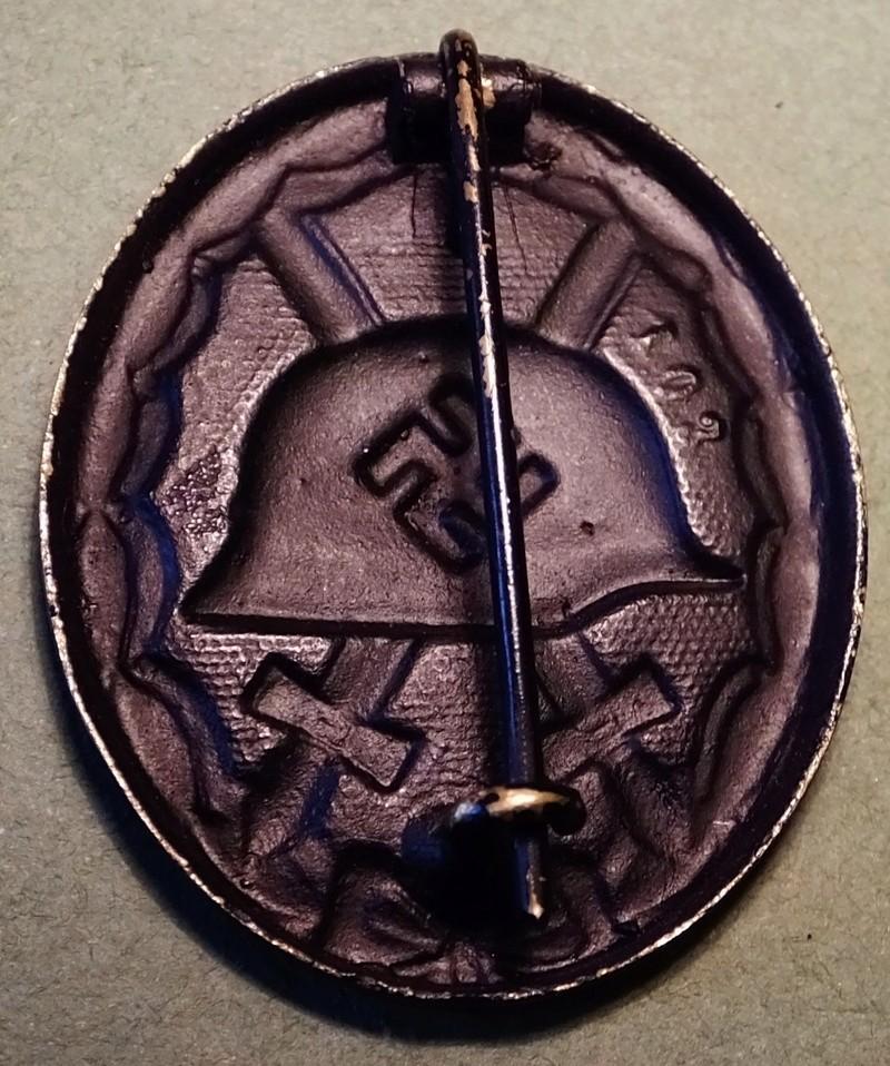 question sur badge de blessé  Dscf5217