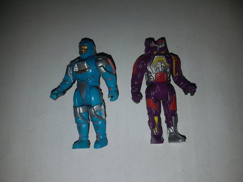 2 petits personnages de 1989 a identifier 20180211