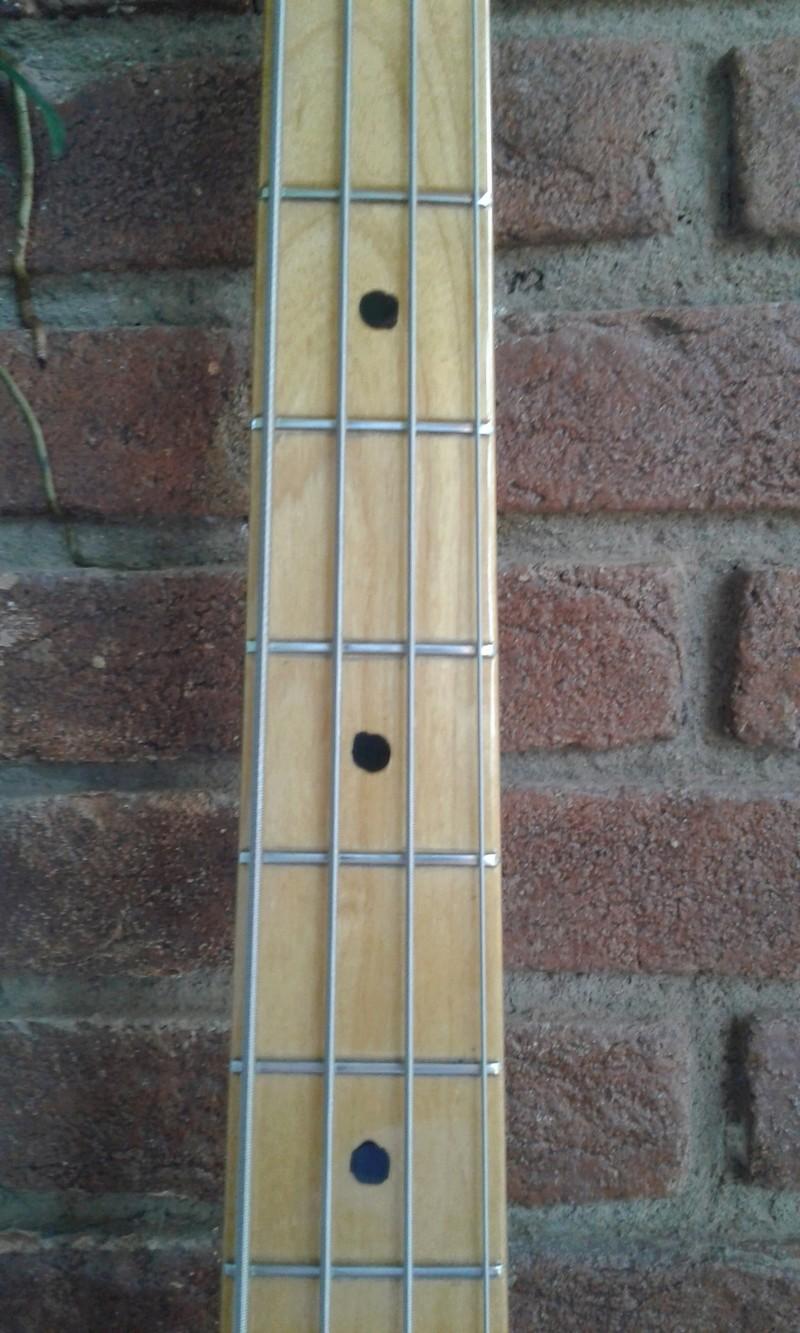 Ajuda para identificar um jazz bass. 20180410