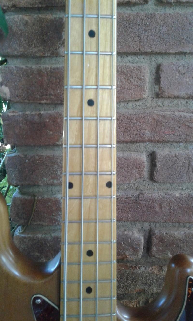 Ajuda para identificar um jazz bass. 20180411