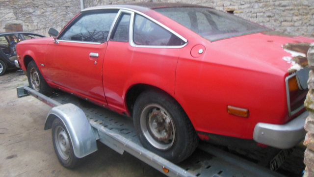 Mazda 121 coupe de 1977 - Page 2 Dscn2912