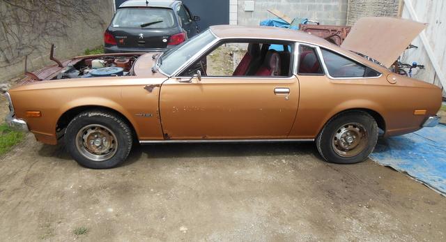 Mazda 121 coupe de 1977 Dscn3014