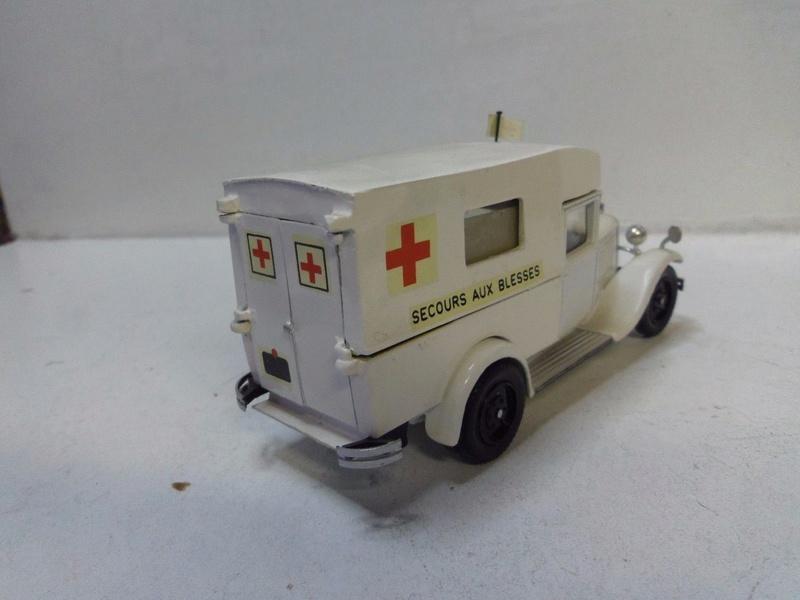 """Citroën miniatures > """"Ambulances, transports de blessés et assistance d'urgence aux victimes"""" C4f_mv10"""