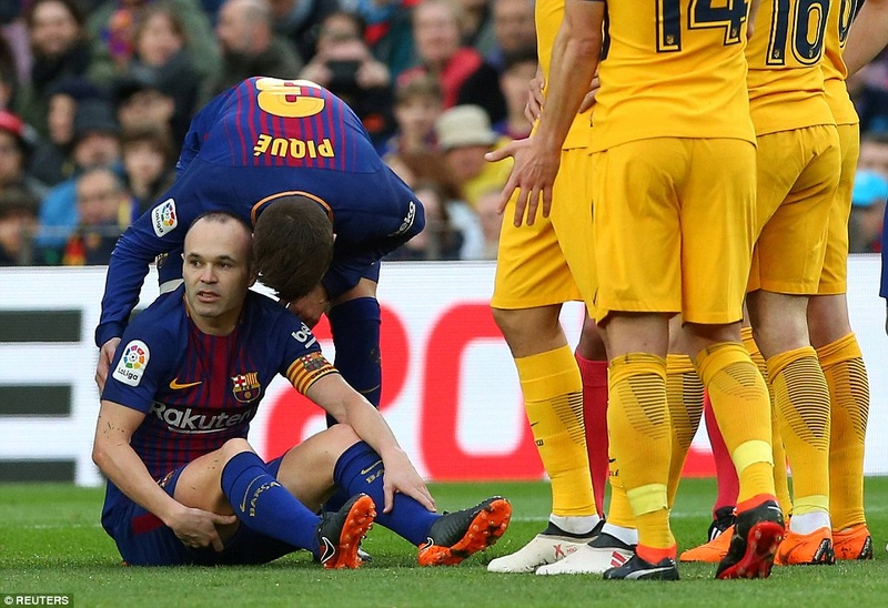 Barcelona face midfield crisis ahead of Chelsea clash with Andres Iniesta now a major doubt after hamstring injury 49d1f510