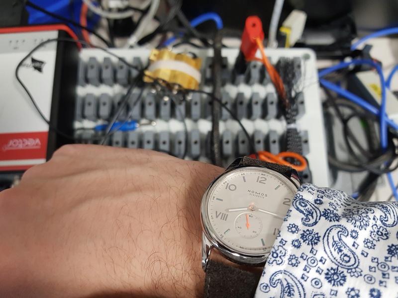 FEU de vos montres sur votre lieu de travail ! - tome 2 Travai10