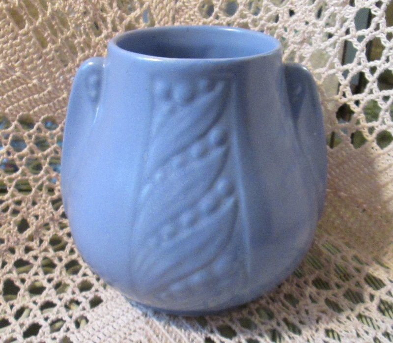 Blue Matte Vase w/Leaves and Berries, McCoy? Blue_v13