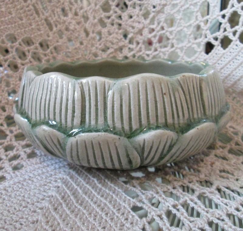 Thai Celadon Bowl Mark Thai_c11