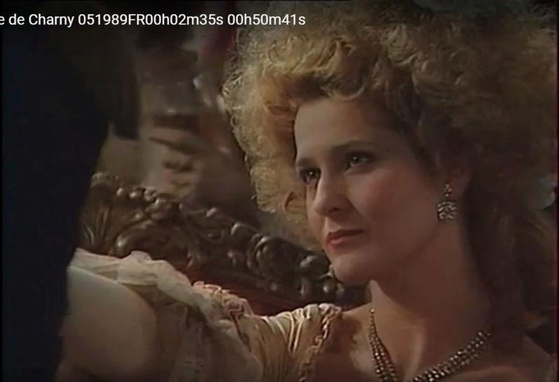 La Comtesse de Charny (Isabelle Guiard) - Page 4 Snyme328