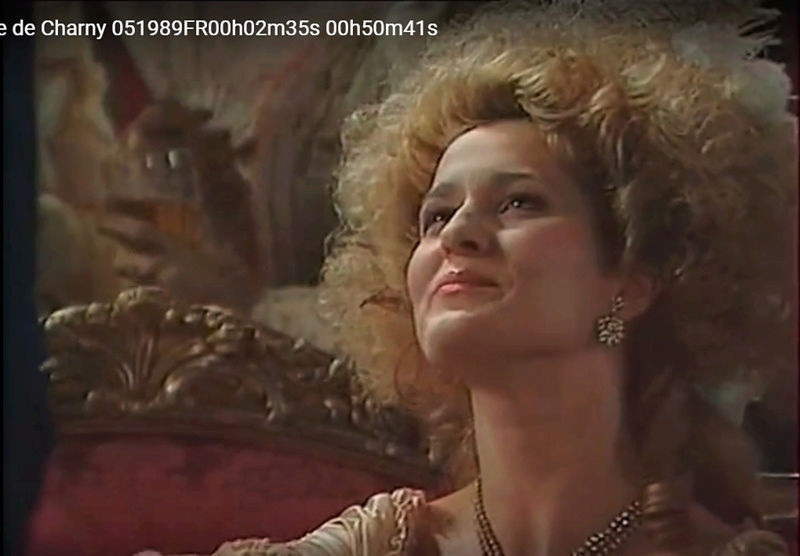 La Comtesse de Charny (Isabelle Guiard) - Page 4 Snyme330