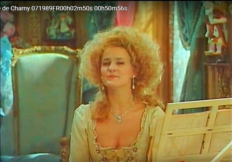 La Comtesse de Charny (Isabelle Guiard) - Page 6 Snyme439