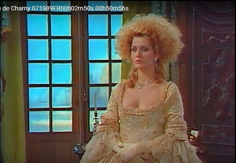 La Comtesse de Charny (Isabelle Guiard) - Page 6 Snyme458