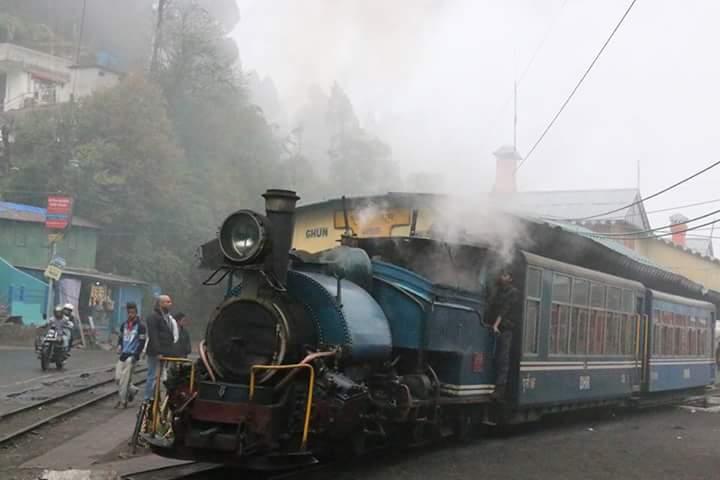 Darjeeling from Bangladesh দার্জিলিং ভ্রমন ঢাকা থেকে Fb_im217