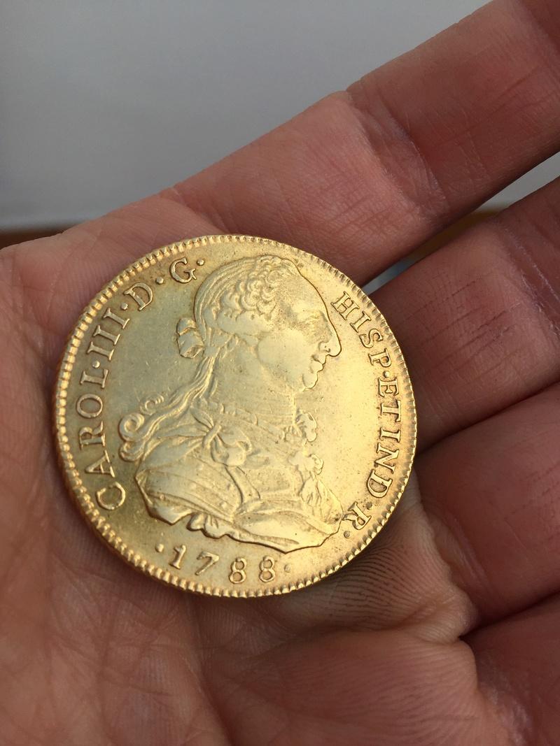 Moneda de 8 escudos de Carlos III F48ef710