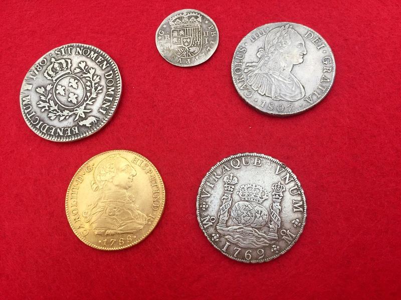 Moneda de 8 escudos de Carlos III F5b11a10