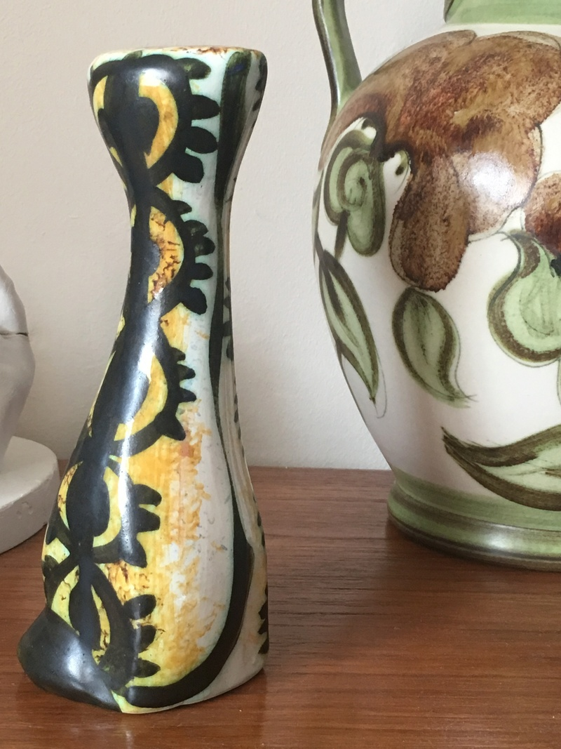 Help I'd this vase please  49e11210