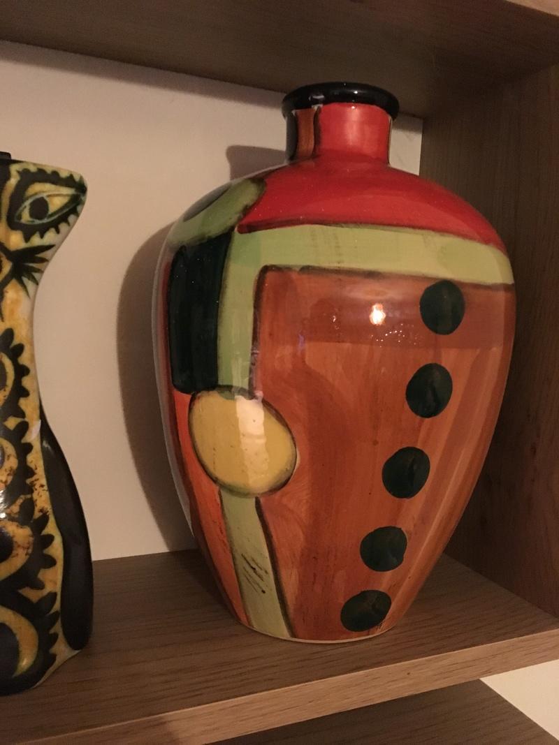 Help I'd this vase please, Spanish?   E0514710