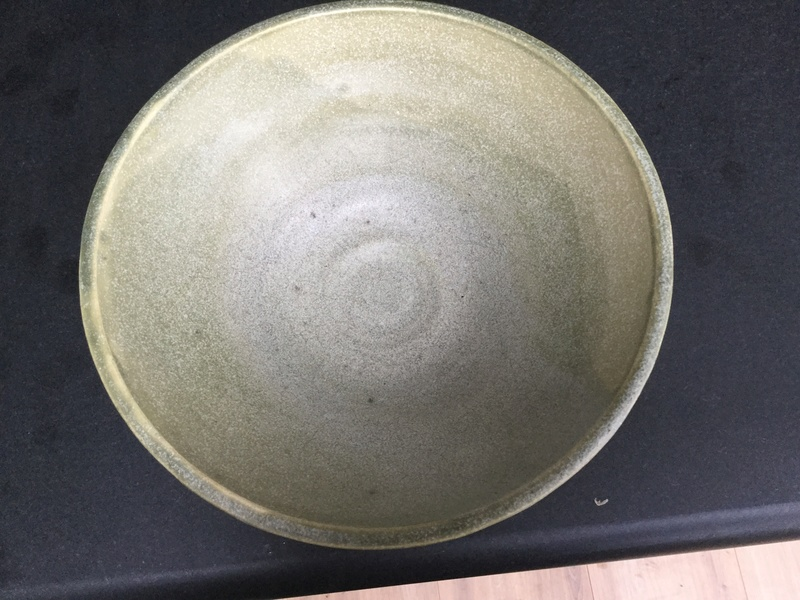 2 unknown bowls, same potter 4d98af10