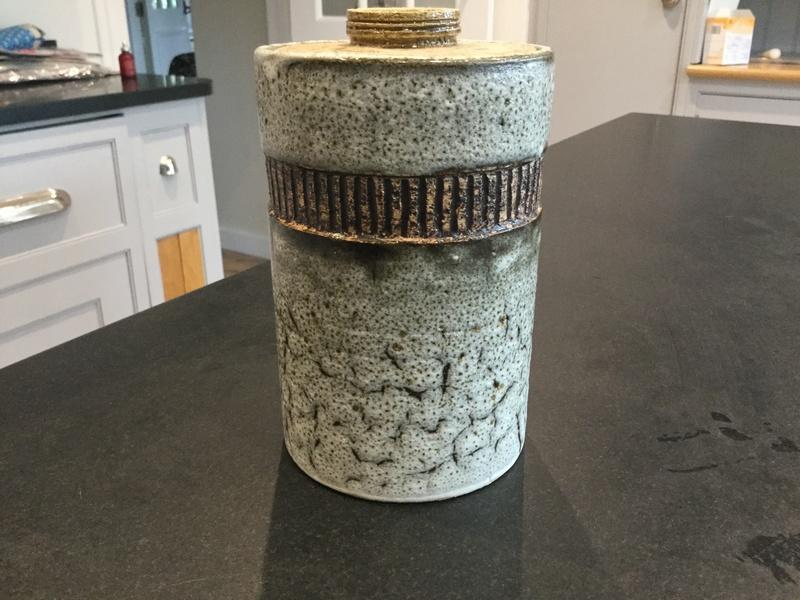 Pot and lid 97e26310