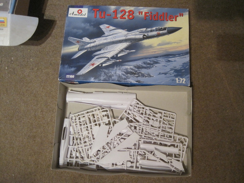 Tupolev TU 128 FIDDLER de AMODEL au 1/72  Img_8110