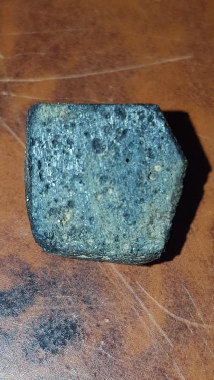 qui peut conformes meteorite ou non svp 5a9a8511