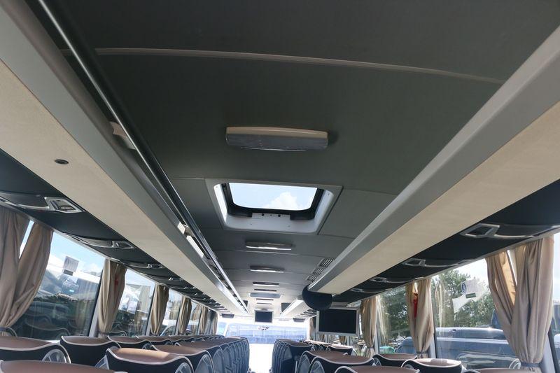 Mercedes TRAVEGO / TOURISMO - Page 3 400410