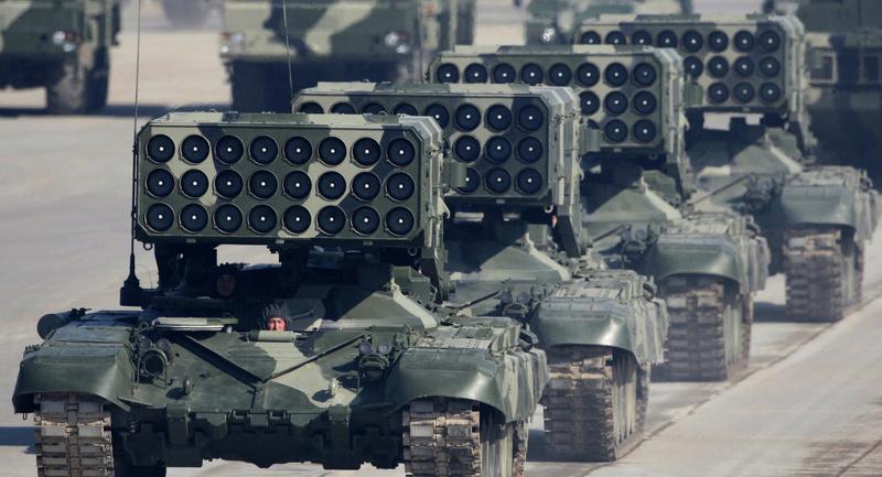 """راجمة الصواريخ Tos-1A """"توس - 1"""" سلاح روسي يصنع جحيما لقوات المشاة في 6 ثواني فيديو 10309110"""