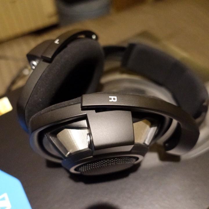 --- VENDUTO ----  Vendo Sennheiser HD800S - 990 spedite Dsc02237