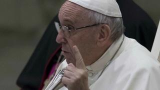 El negocio en las iglesias cristianas Papa-a10