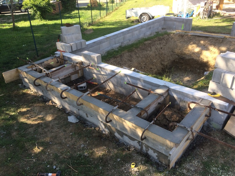 Projet de bassin semi enterré et vitré dans enrochement existant - Page 12 3a3ac510
