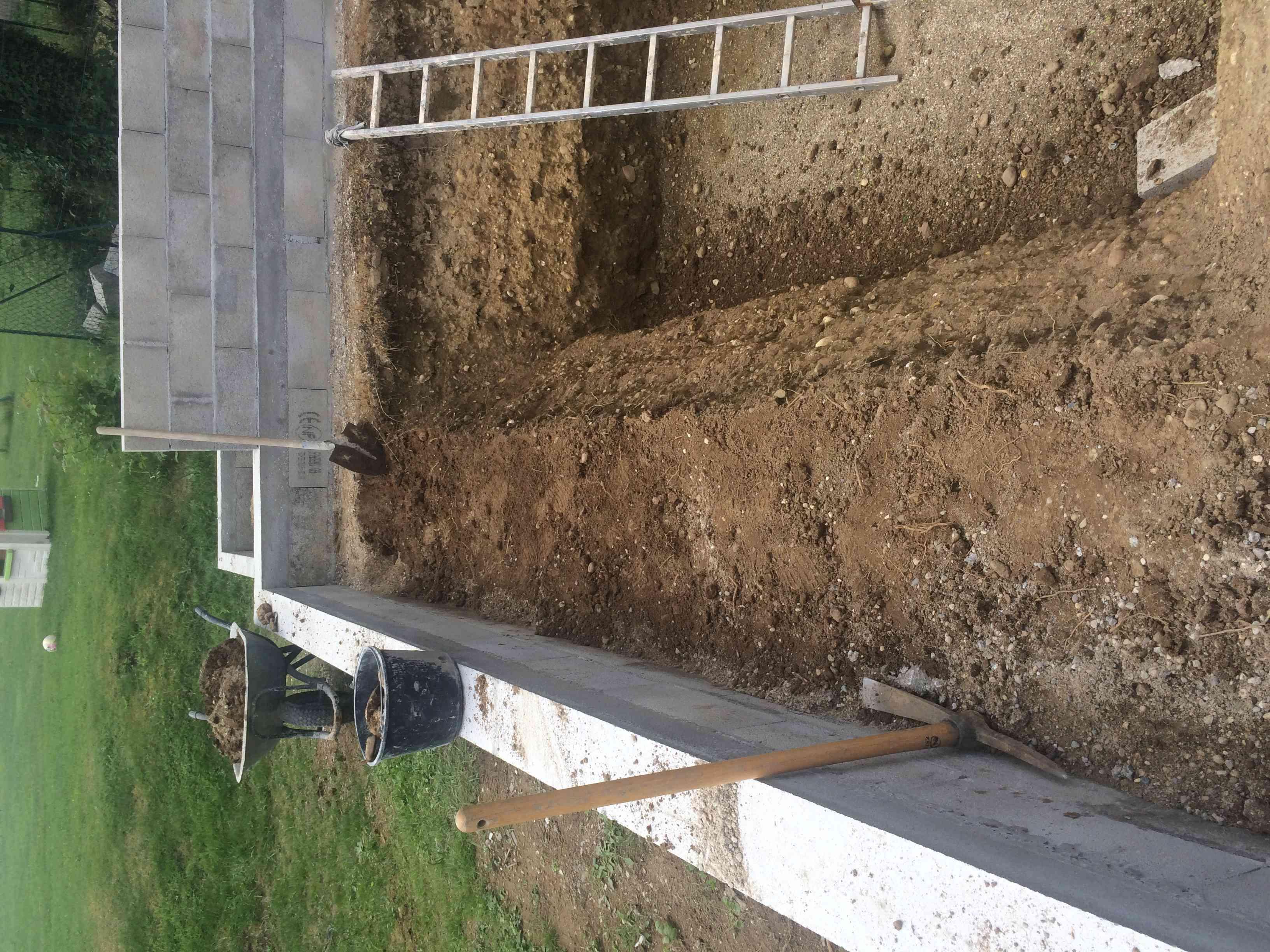 Projet de bassin semi enterré et vitré dans enrochement existant - Page 11 7c200a10