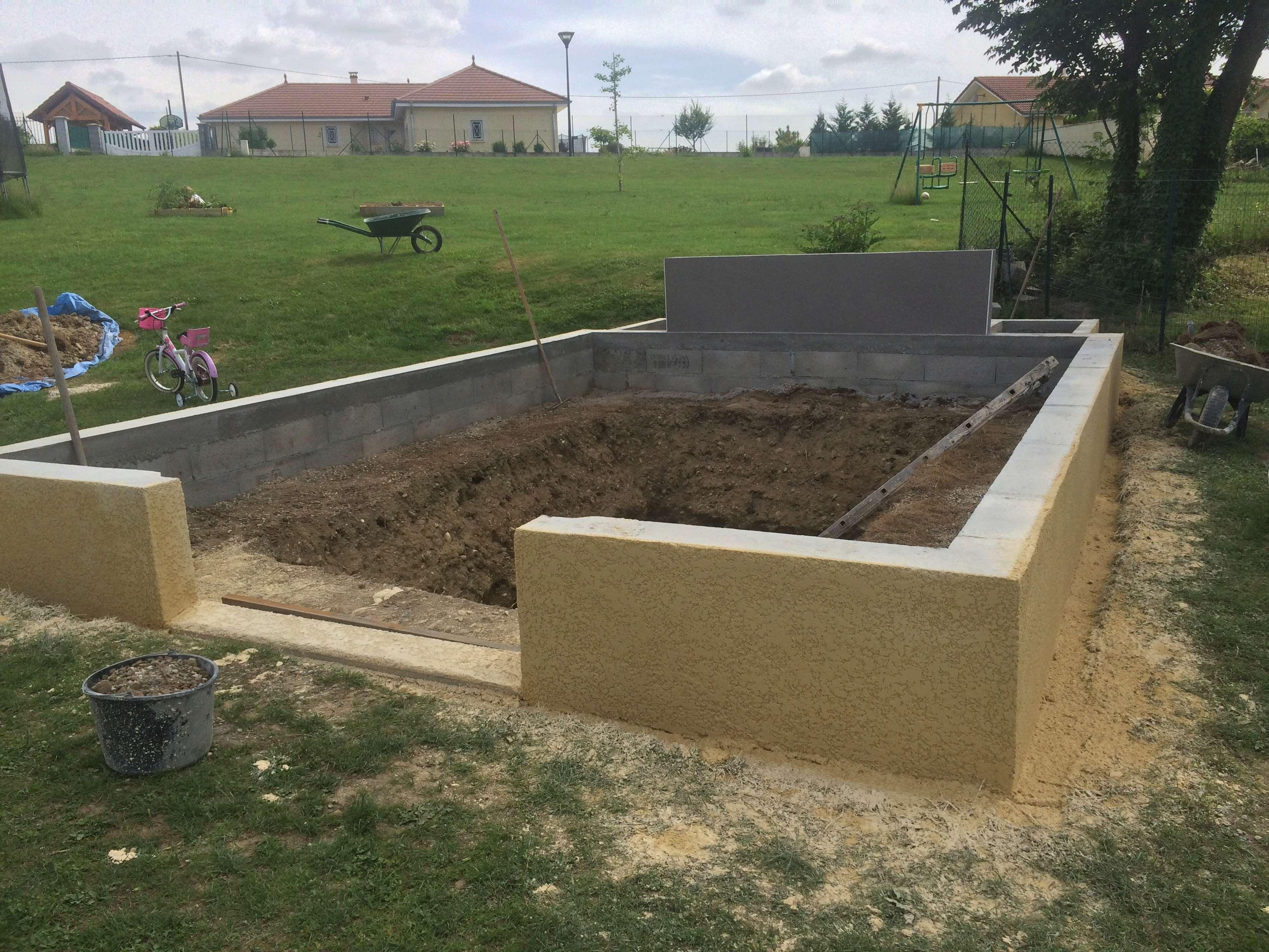 Projet de bassin semi enterré et vitré dans enrochement existant - Page 12 B0958910