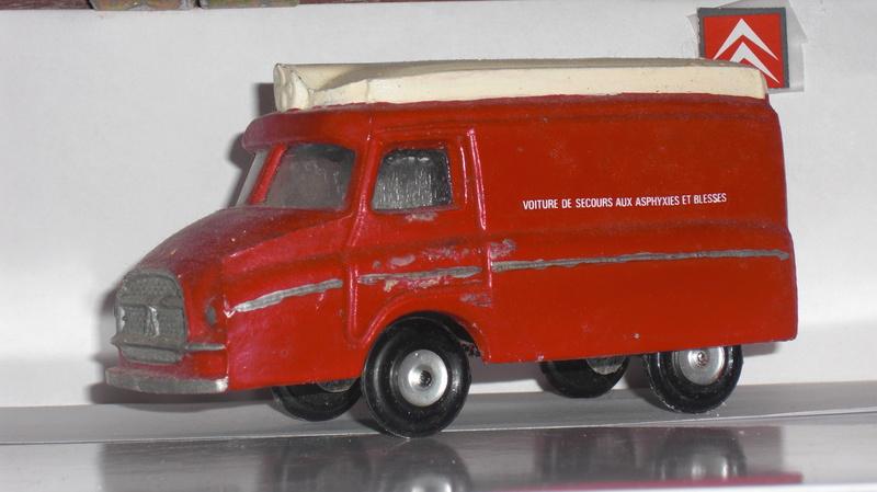 """Citroën miniatures > """"Ambulances, transports de blessés et assistance d'urgence aux victimes"""" 3_type13"""