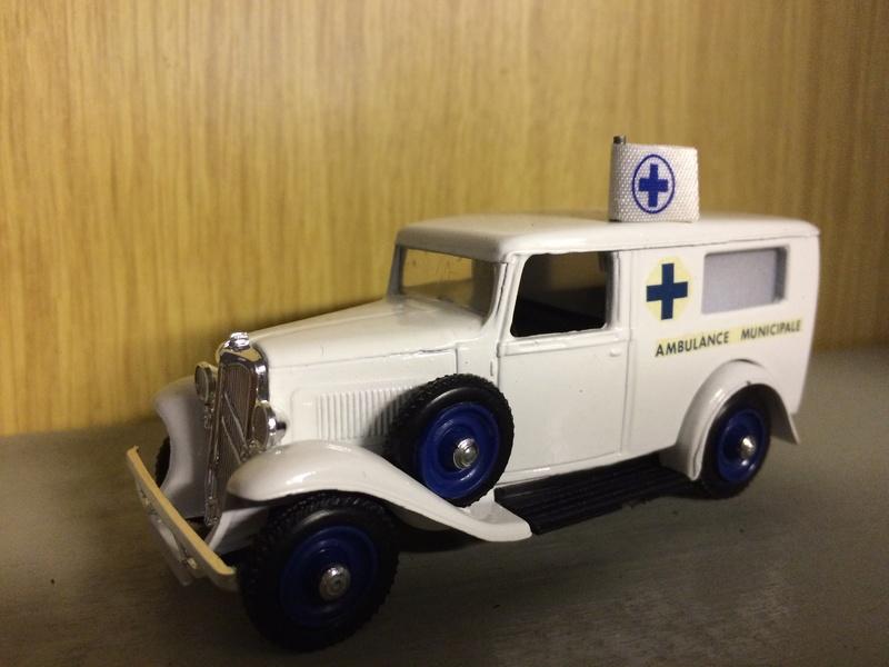 """Citroën miniatures > """"Ambulances, transports de blessés et assistance d'urgence aux victimes"""" _500_a10"""