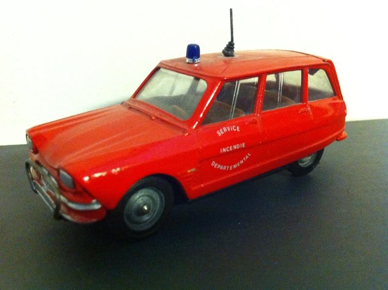 Citroën Ami SIXTIES : un chef-d'oeuvre... à sa façon.  Ami_6_13