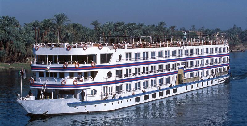 les 2 bateaux ... Nil11