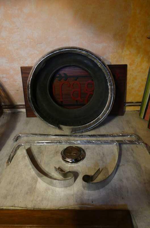 Poignée portière conducteur P1010611