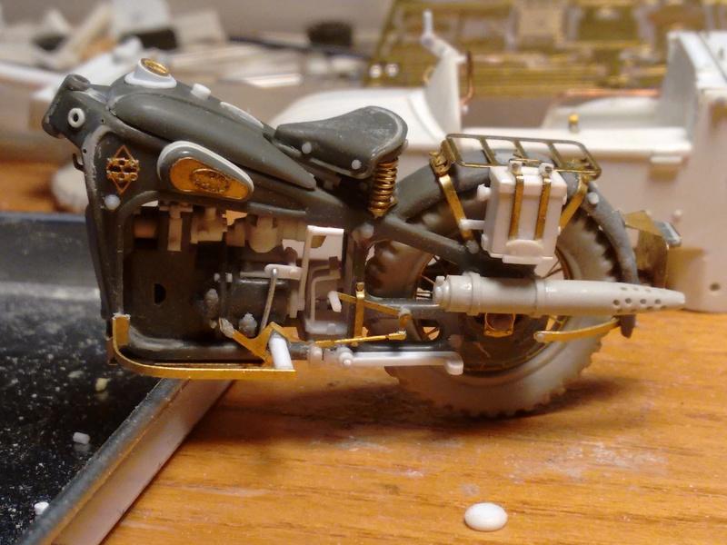 MOTO 800 AX avec Side Car Bernardet mod 38 Dragon portés : scratch partiel au 1/35 Img_2027