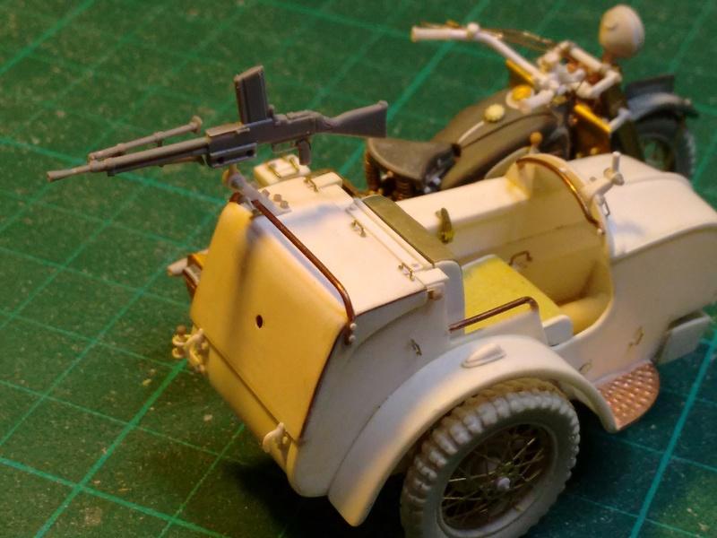 MOTO 800 AX avec Side Car Bernardet mod 38 Dragon portés : scratch partiel au 1/35 Img_2035